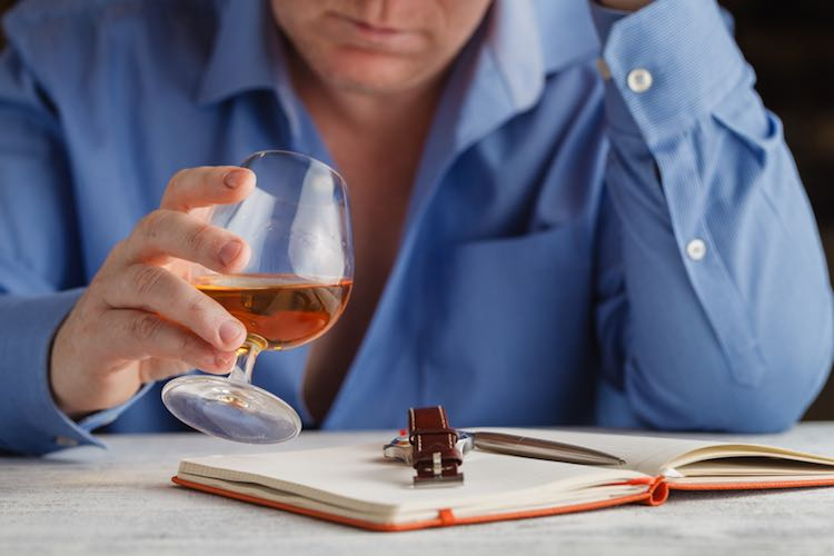 Alcohol: how much is too much? - myDr com au