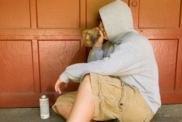 Inhalants: what are the effects? - myDr com au
