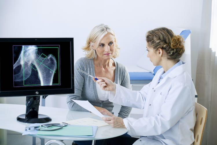Osteoporosis: what it does to your bones - myDr com au
