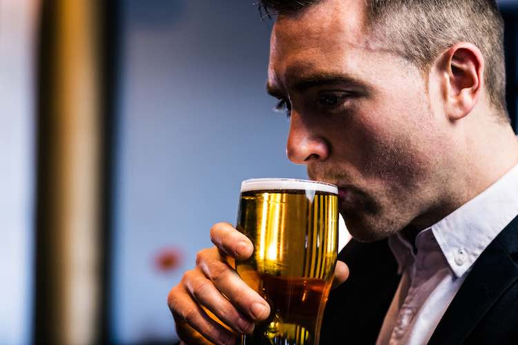 Weight loss surgery linked to drinking problems - myDr.com.au